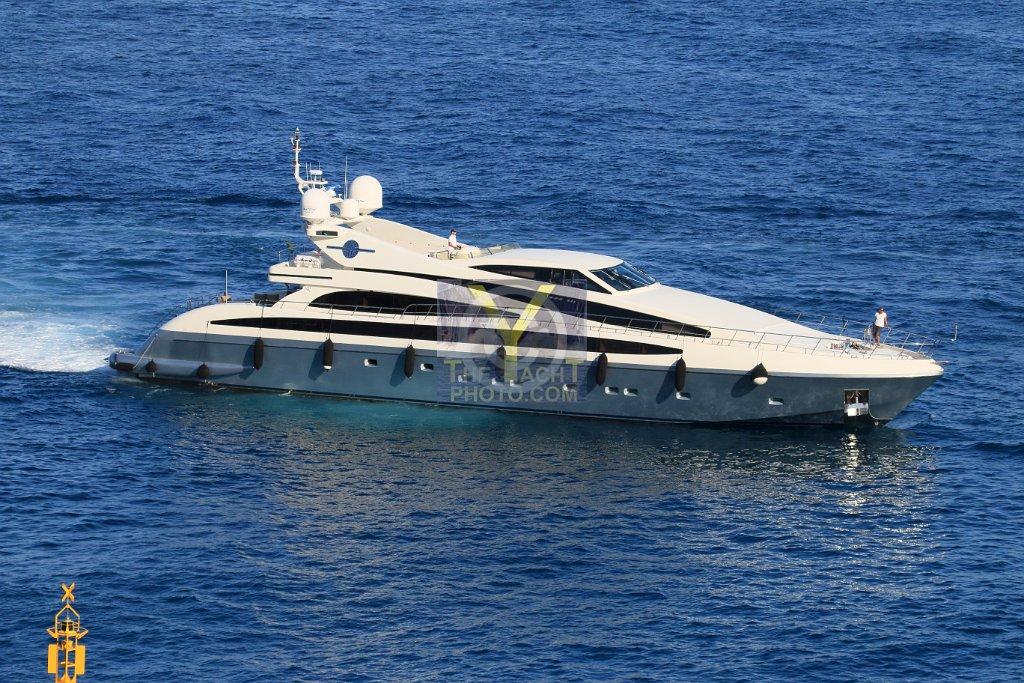 M J  TAKNM - ISA Yachts - 40 55m - 2005